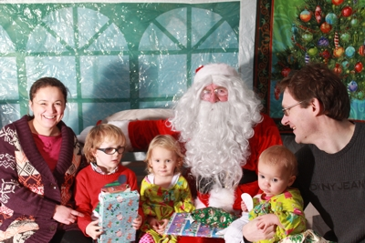 Family enjoying CASPA's autism friendly grotto